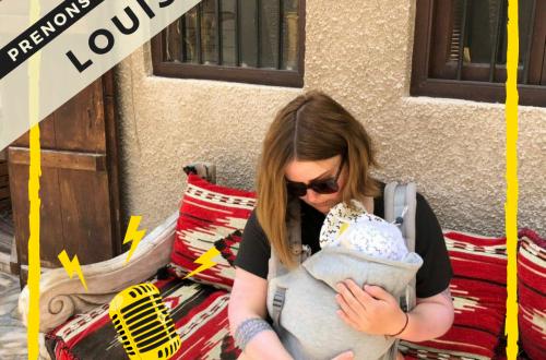 assise avec porte bébé